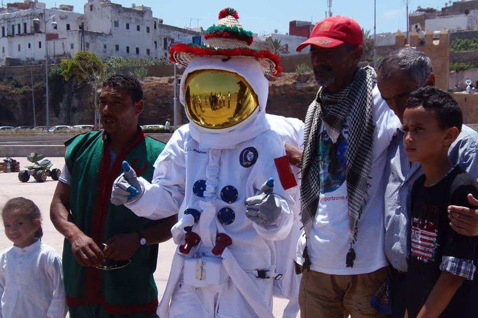 #Buzz : Un cosmonaute se balade à Casablanca