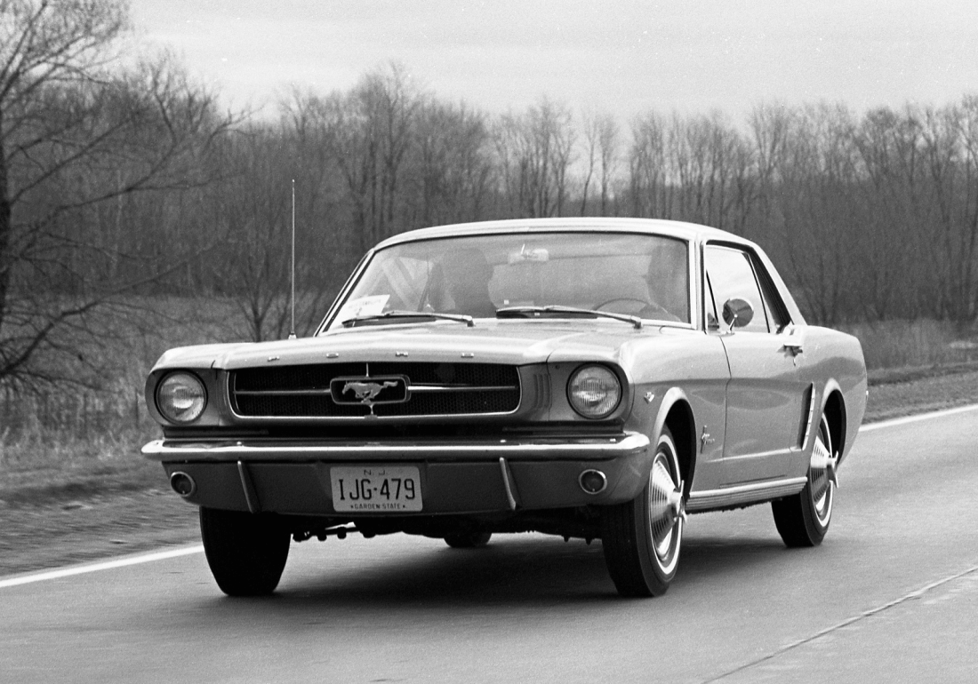 1964_April_Ford_Mustang_introduction_rally