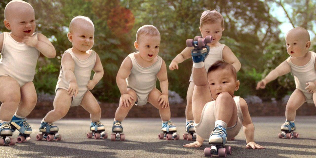 Attention, publicité mythique : Les roller-babies d'Evian