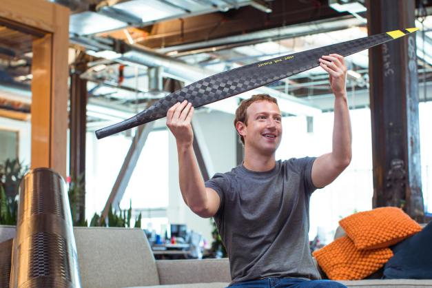 Aquila : Mark Zuckerberg projette de connecter chaque humain sur terre à internet
