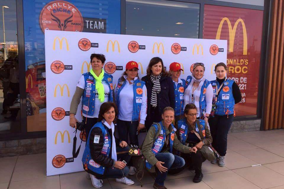 McDonald's Maroc, sponsor du Rallye Aicha des Gazelles, soutient un équipage marocain