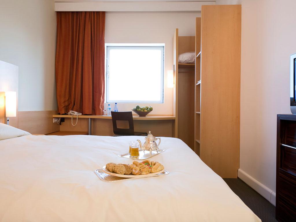 accor hotels ibis room