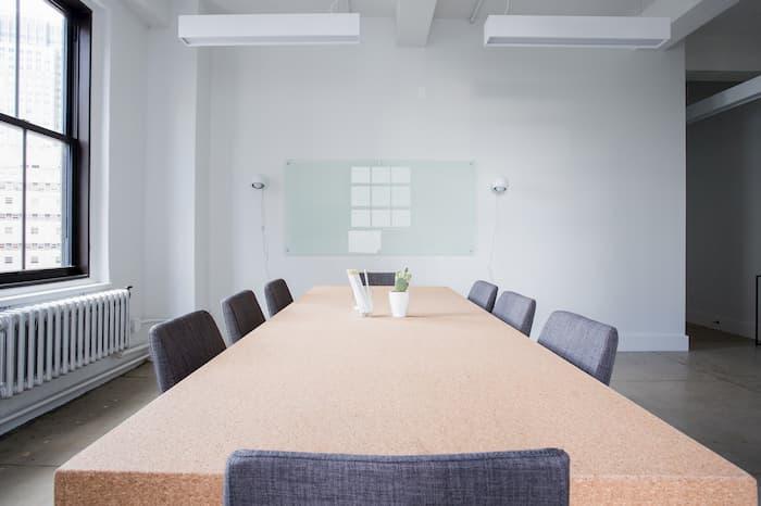 Un kick-off est la première réunion entre l'équipe projet et les parties prenantes du projet et est un élément clé de succès.