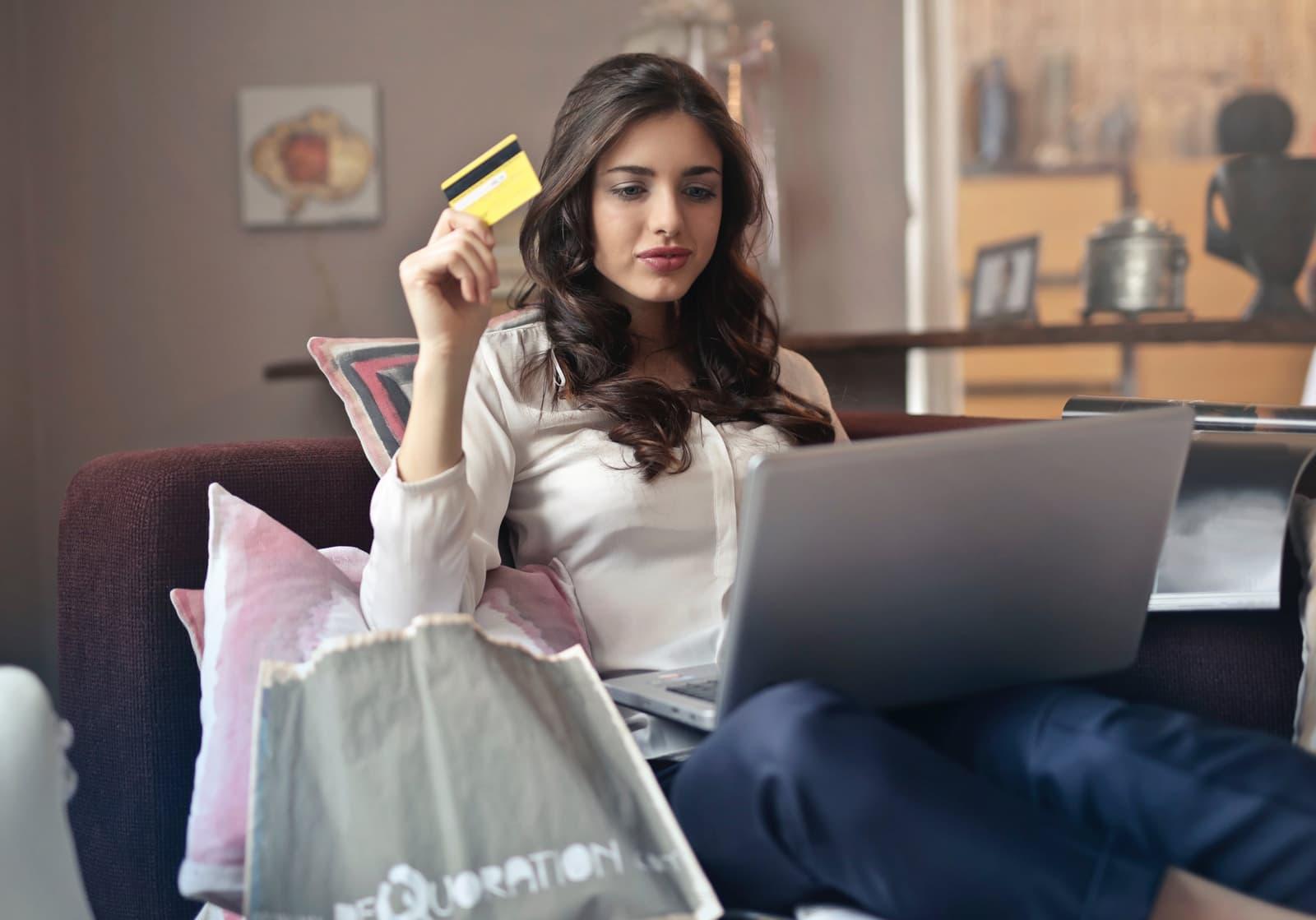 Le digital transforme le rapport entre le consommateur et les marques