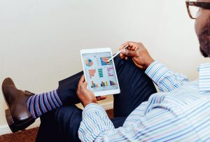 social-media-monitoring-versus-social-listening